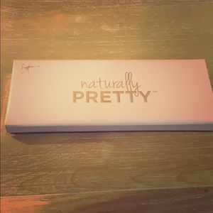 It cosmetics used naturally pretty palette!😊